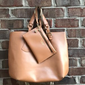 Women's Varriale leather tote and wristlet